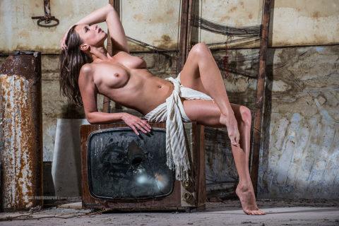 Veronika-Vesela_Lost-Factory-TV_20130630_001